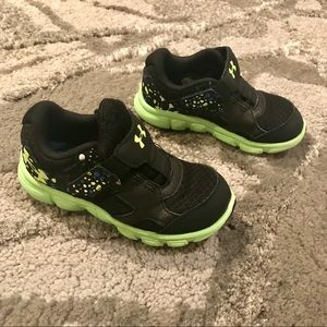 Under Armour - Surge Sneaker- Toddlers 8